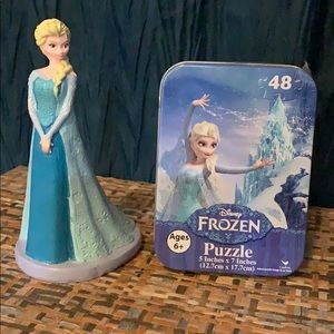 Elsa from Frozen statue and puzzle